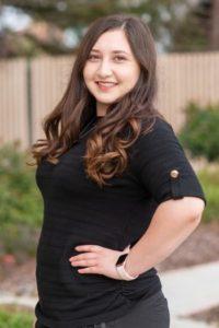 Savannah, dental scheduling coordinator in Hollister, California